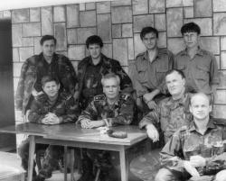 General Mehmed Alagic na pregovorima oko deblokade Maglaja sa Ivom Lozancicem (do generala sjedi desno)